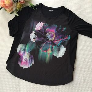 NWOT Apt 9 Top with Three-Quarter Sleeve (A)